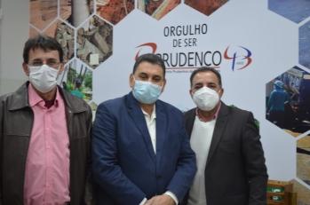Vice Prefeito Izaque Silva visita a Prudenco